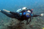 14_Johanna_diving_at_Kuda_Faru_at_Himmiya_Faru_in-Male_Atoll