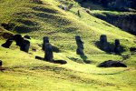 15_Broken_Moai_were_simply_abandoned