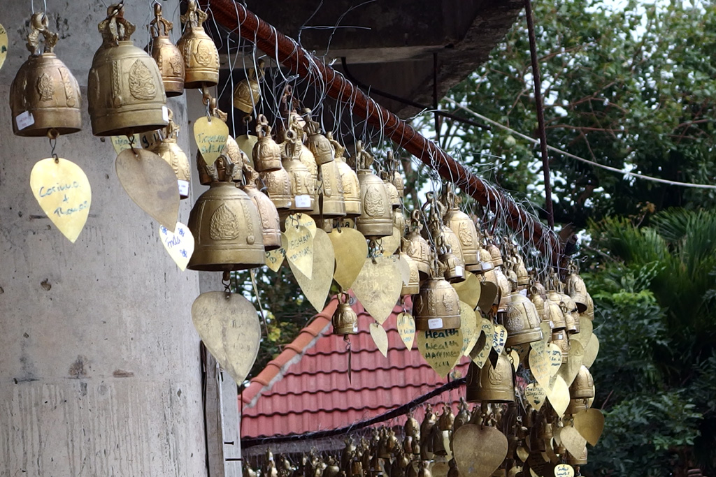 Bells_on_big_Buddha